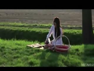 Beautiful darkhair babe teasing picnic