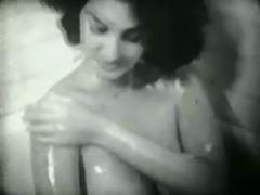 Vintage bathtime No.2