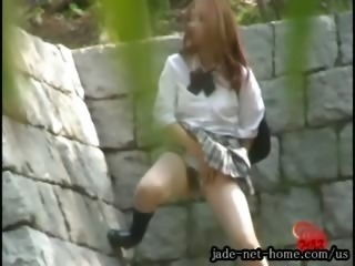 jade-net-us DLF40-01-2 Outdoor Excretion Series Girls Peeing While Standing...