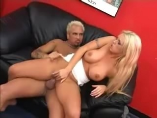 Brittney Skye - Wet Between the Thighs