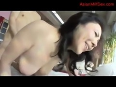 Busty Milf Getting Her Hairy Pussy Fucked Cum To Tits Sucking Guy On The Bed...