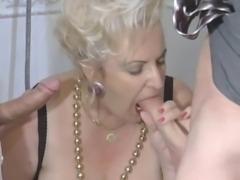BBW-Granny-Slut fucked on Toilette by 2 Guys