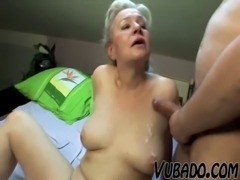 MATURE COUPLE FUCK HARD ON BED !! free