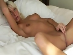 blond beauty spreads pink pussy