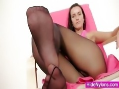 Leggy babe Sharon weird nylon pantyhose fetish