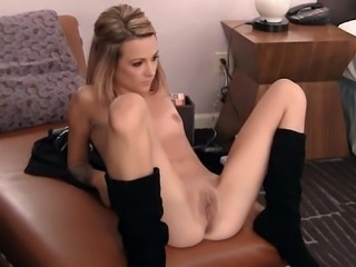 Pussy insertions with 19 yo Alicia