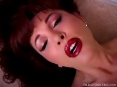 Beautiful mature latina Vanessa Bella has a juicy pussy free