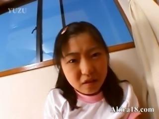 Innocent girl enjoy amateur bang