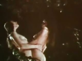 Vintage Erotica 1970s - Hairy & All-Natural Retro Lesbians