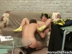 Sexy brunette babe gets her tight cunt