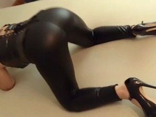 twerk my shiny ass
