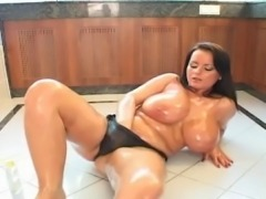 Bea Flora oiled in Lovely body 1 of 2