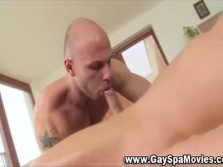 Turned straight gets sucked by horny amateur masseur