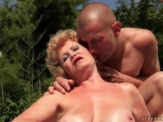 Ugly grandma gets fucked rough outdoor