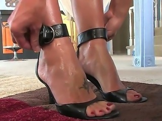 Femdom vids where beautiful dominant women are doing a lot of kinky things with their enslaved boyfriends always bring a lot of delight to me! Brenda James fucks Wolf Hudson here.