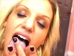 Blonde Whitney Fears with sexy fuckable
