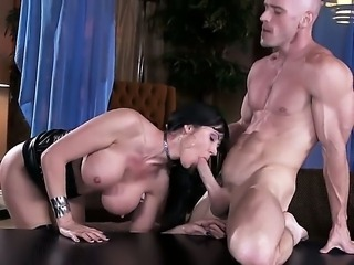 Watch hot Eva Karera and Johnny Sins are spending unforgettable time together. Beauty with nice juggs and cool butt is getting long shlong deep into mouth and snatch.