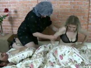 Teen couple gets disturbed by a horny
