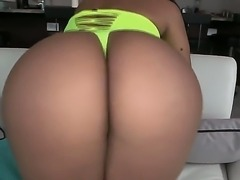 Sexy babe Rose shows her big ass and gets a very sweet and hot cunnilingus