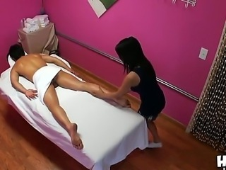 Lucky guy Chris has his massage session going on with hot skinny babe Mya...