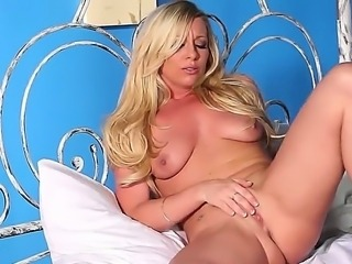 Britney Lace is young sexy girl which loves masturbation and she do it very well!Enjoy!