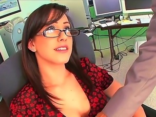 Sweet secretray Jennifer White pleases horny boss with amazing blowjob and...