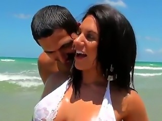 Horny Bella Resse enjoys getting seduced by hot stud Juan Largo wich bangs...