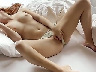 Denisa Heaven is a angel with a creamy skin and sexy body, she jills her clit...