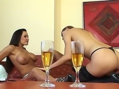 Gorgeous babes Eufrat Mai and Lisa Ann dont need guys to make this scene...
