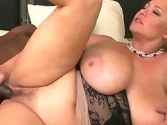 If you wanna examine how cheating BBW wife Samantha 38g is having interracial...