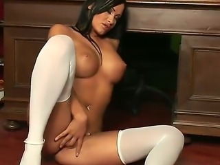 The hot schoolgirl Claudia Capri hates