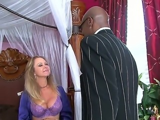 Ebony giant Sean Michaels is such a courteous gentleman with slut wife Dyanna...