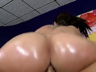 Marco Banderas oils ass of Kelly Divine and smacks hard her luscious juicy pussy and girl gets much creampie