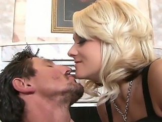 Sexy blonde with cool big tits likes to get her trimmed pussy licked well