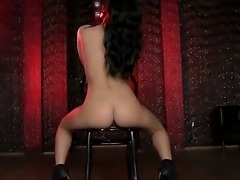 Striptease babe Madison wants to relax after her work and she invites her...