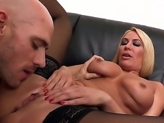 Enjoy Johnny Sins dancing in the sheets with lamboyant blonde chick Mellanie...