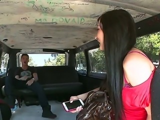 Gang bus brothers go full throttle for another fresh meat in the face of Mandy Sky. This Chonga is cute, shy and overly emotional during their conversation.