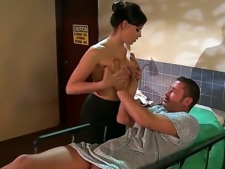 Brooke Lee Adams visits Danny Mountain to the hospital and pleases him with blowjob