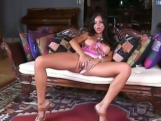 Exceptional sexy and beautiful Latina Janessa Brazil is here to surprise us with amazing solo action