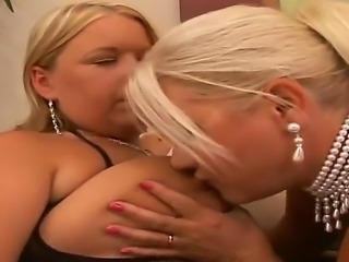 If you are a big tit fan, this is the movie for you. Blonde babes Laura and Linda have fantastic big and bouncy titties and are more than happy to squirt them all over with oil and rub them up and down.