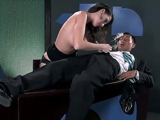 Crazy hot secretary Jennifer Dark becomes horny with her boss Keni Styles...