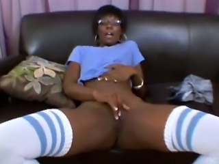Beautiful ebony babe Taylor Starr is a classy chick. She shows she has class as she spreads her legs and shows her experience by spreading her pussy lips apart and showing how pink she is inside. she also gives one hell of a blowjob.