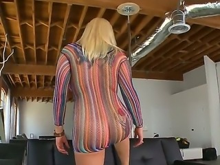 Dayna Vendetta has some nice curves on her body. Her ass looks so delicious and this dazzling blonde knows how to present it from best angles in a sexy pole dance.