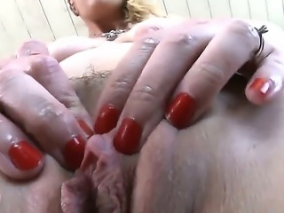 Amy Brooke at her best! Wild slut adores double-penetration sex and she even doesnt need a partner to do it! Heres a proof video! Turn it on and wonder! Such a perverted girl!