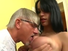 Busty brunette Naomi S plays with Christoph Clark! She doesnt stop to work...