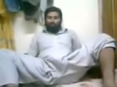 Huge Pakistani cock dancing in salwar free