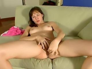 Teen Jasha loves deep fingering while moaning of pleasure like a slut