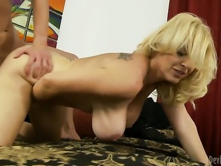 Fascinating sex kitten Charlee Chase asks her man to stick his beefy love stick in her mouth