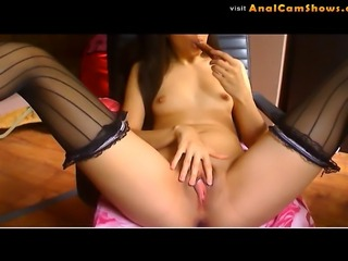 Slutty babe Rachel sucks dildo off on cam