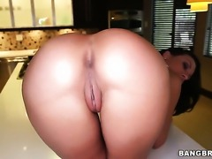 Rachel Starr with round ass just loves to fuck and cant say No to her hot fuck buddy